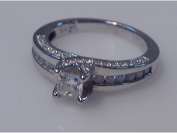 Lot 1407 Diamond Solitaire Ring