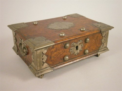 Lot 18 Continental Burr Wood Box