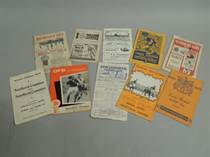 Lot 21 A collection of mainly pre-1950 football programmes