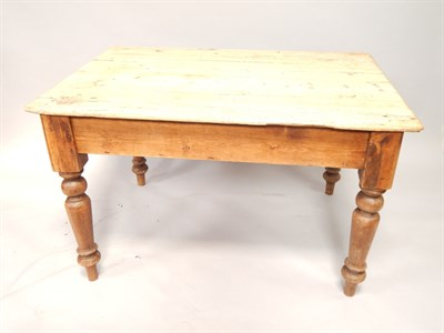 Lot 68 A Victorian pine kitchen table