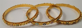 Thumbnail _lot 368 Three yellow metal bangles