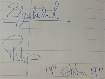 Thumbnail _Lot 7 Signatures Of HRH Queen Elizabeth And Prince Philip