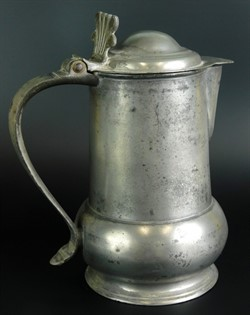 lot1 A rare early 18thC York pewter acorn flagon