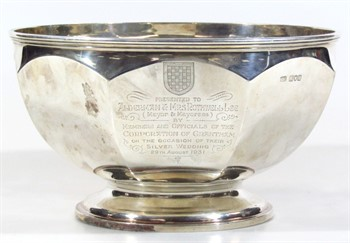Lot 24 An Edwardian Grantham mayoral related silver bowl
