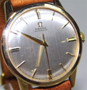 Thumbnail _lot1 A mid-20thC gentlemen's Omega automatic 9ct gold cased wristwatch