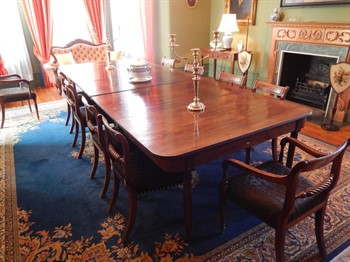 555 A George III mahogany extending dining table