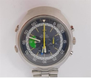 Lot 665 A gentleman's 1970s Omega Flightmaster chronograph stainless steel wristwatch