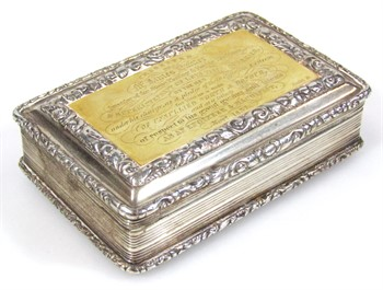 1092 A William IV silver and silver gilt snuff box, by Nathaniel Mills